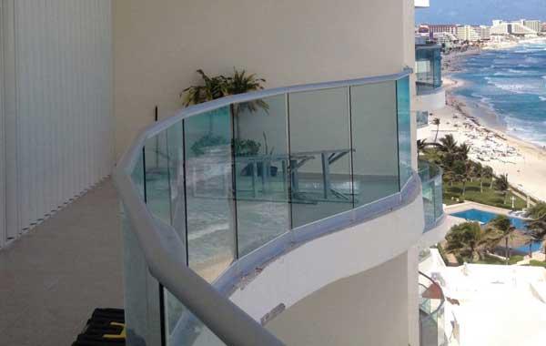 Vidrio y aluminio en Cancún